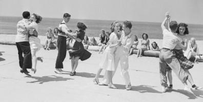 Jitterbugging on Venice Beach, 1938